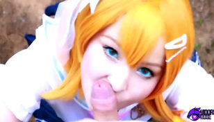 Yellow haired honoka Kousaka public..