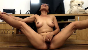 Insane japanese mature plays with her..